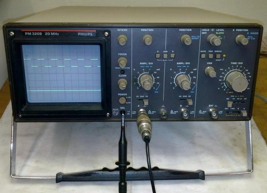Oscilloscope PM-3208 - PHILIPS - Année 1989